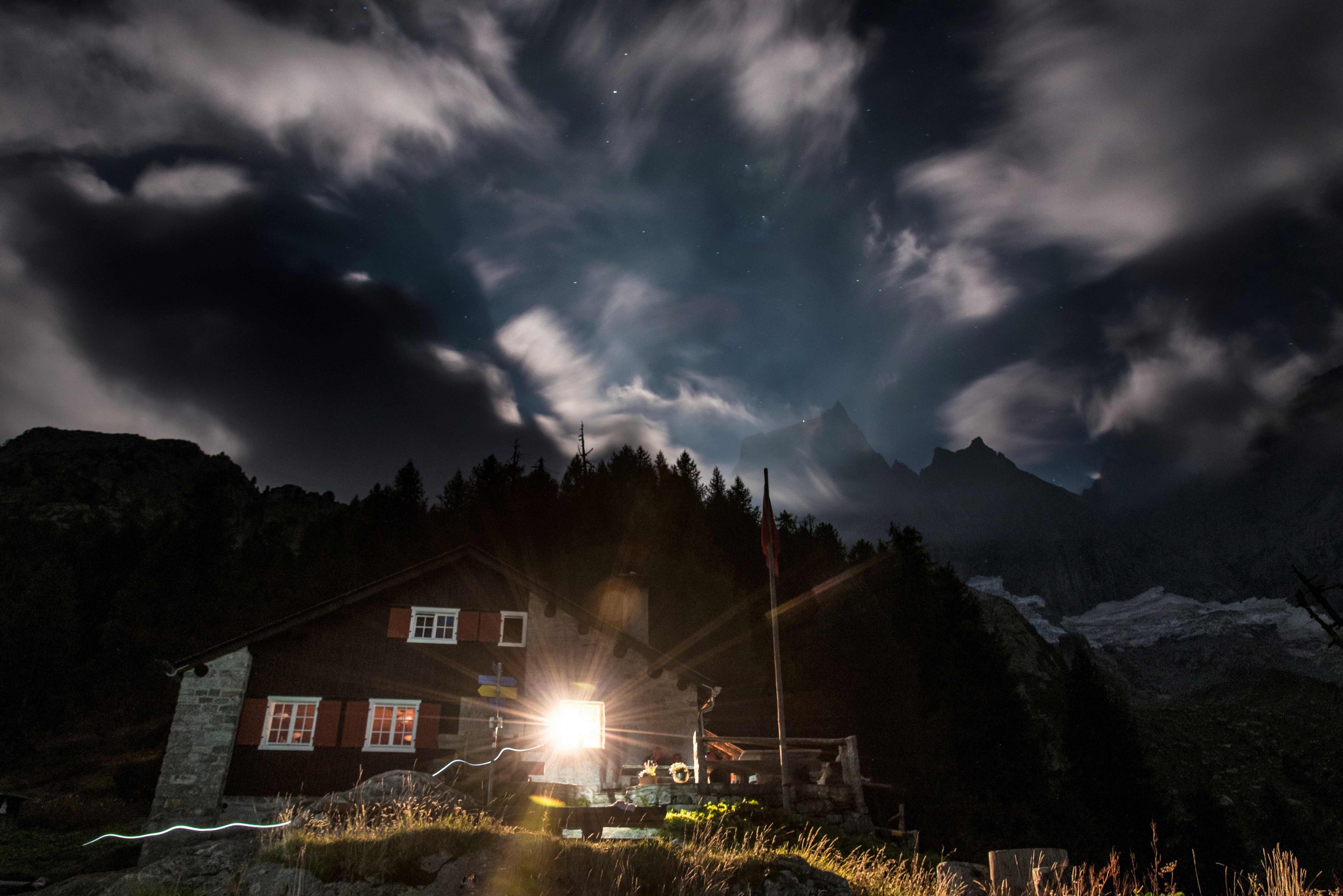 Bergell bei Nacht